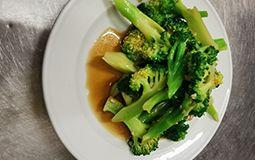 Broccoli with Minced Garlic Sauce